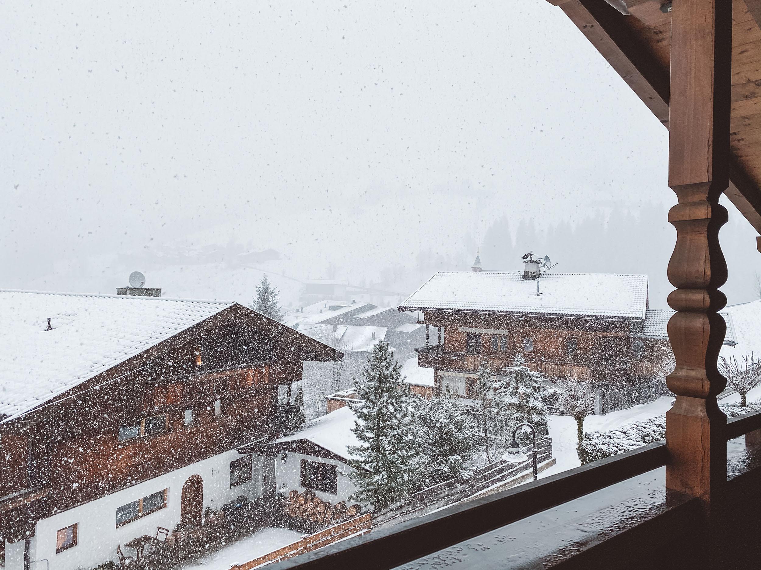 Tyrolskie miasteczko Alpbach, Austria